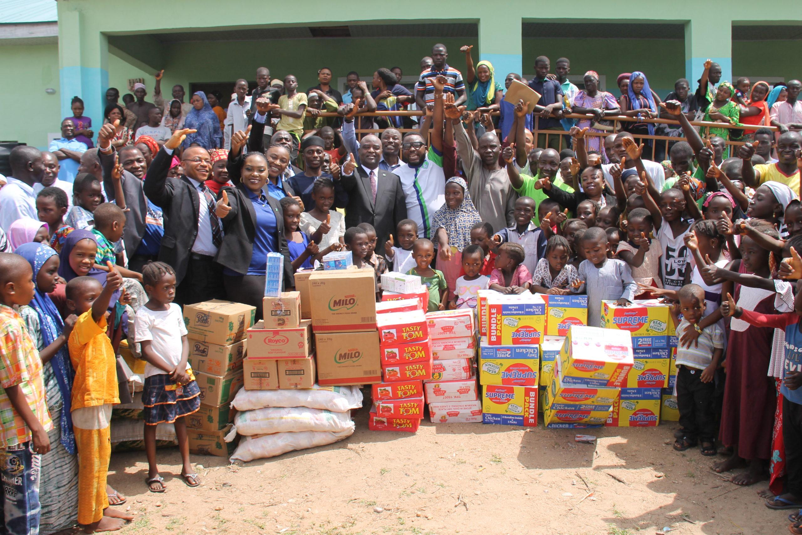fidelity bank Abuja 2 Regional Bank Donates essential items to flood victims in Lokoja, Kogi State (3)