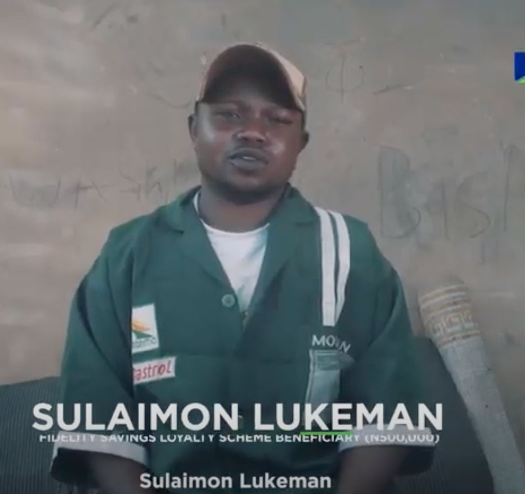 Sulaimon-Lukeman-Gets-Rewarded-with-N500,000-in-the-Fidelity-Savings-Loyalty-Scheme-